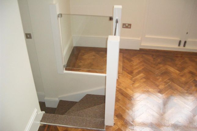Thumbnail Flat to rent in Chatsworth Road, Mapesbury Estate, London