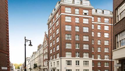 Flat to rent in Hill Street, Mayfair