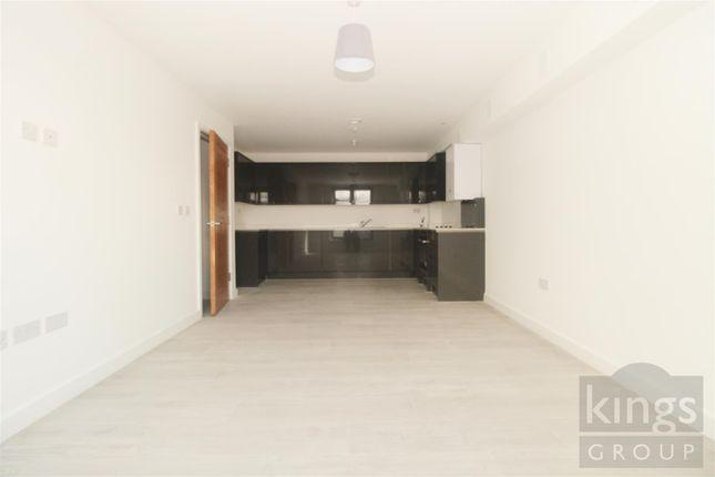 2 bed flat to rent in Adams Yard, Hertford SG14