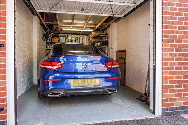 Garage of Autumn Way, Beeston NG9