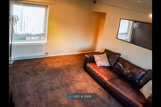 Thumbnail Flat to rent in Bowling Close, Harpenden