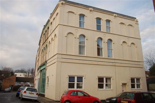 Thumbnail Terraced house to rent in Alfred Place, Kingsdown, Bristol