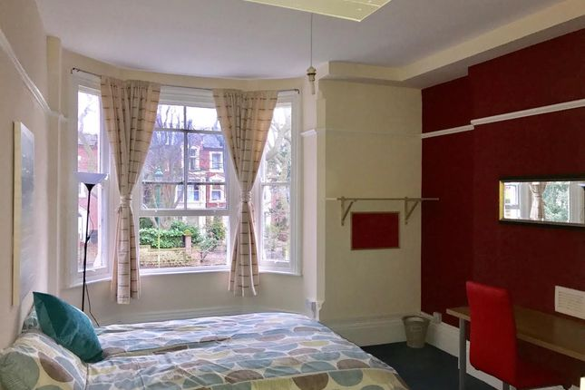 Thumbnail Flat to rent in Corporation Oaks, Mapperly