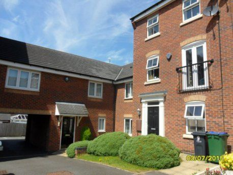 Flat to rent in Dovey Grove, Rowley Regis, Birmingham