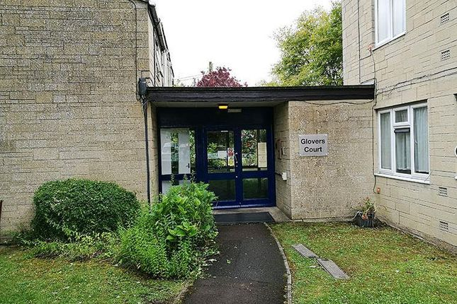Thumbnail Flat to rent in Glovers Court, Malmesbury