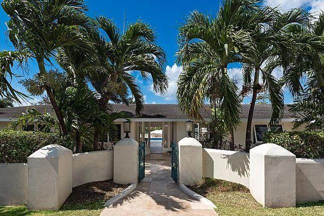 Villa for sale in Hill Top Cres, Oistins, Barbados