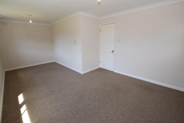 Thumbnail Flat to rent in Templemead, Witham