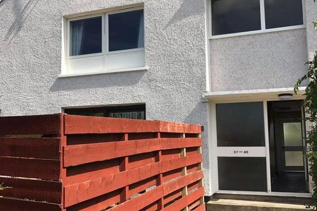 2 bed flat to rent in Pitreuchie Place, Forfar DD8