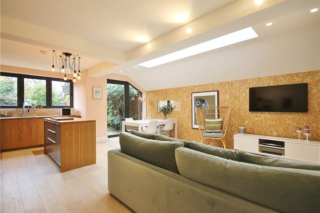 Thumbnail Flat for sale in Wellesley Road, Chiswick, London