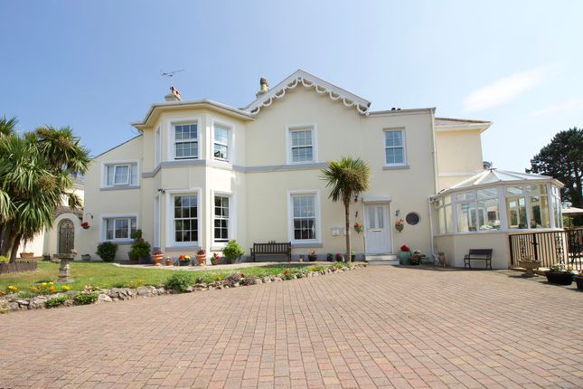 Thumbnail Property for sale in Quinta Road, Torquay