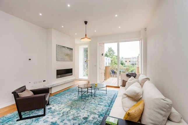 Thumbnail Town house to rent in Melody Lane, London