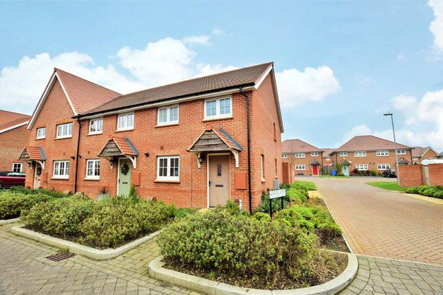 Thumbnail End terrace house to rent in Gull Lane, Bracknell, Berkshire