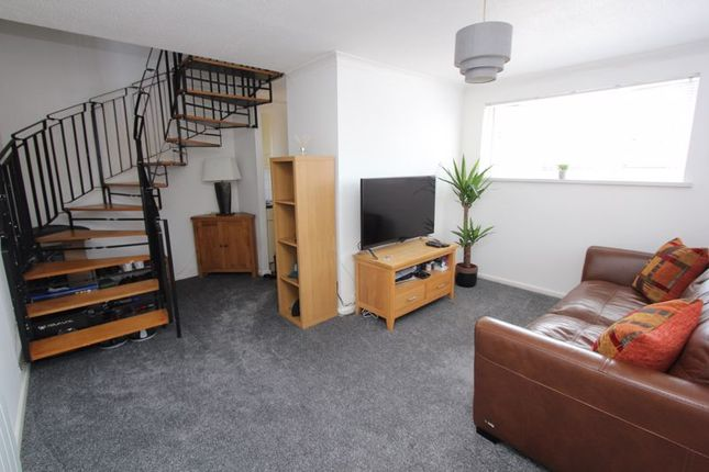 Thumbnail Terraced house for sale in Murlande Way, Rhoose, Barry