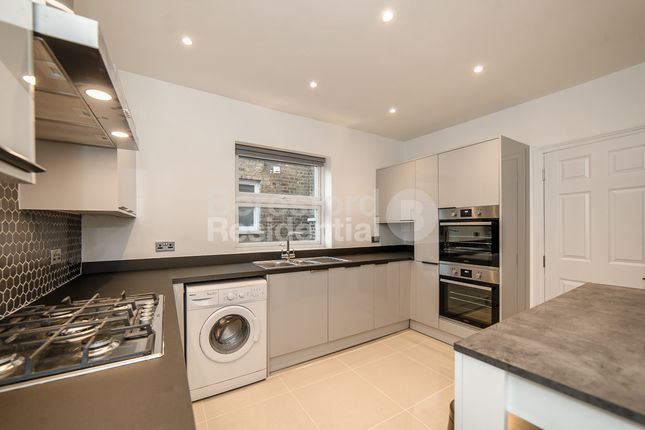 Thumbnail Flat to rent in Credenhill Street, London