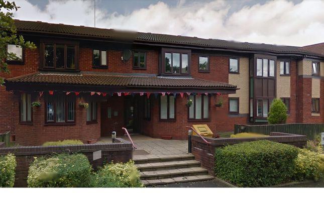 Thumbnail Flat to rent in Glebe Street, Shaw