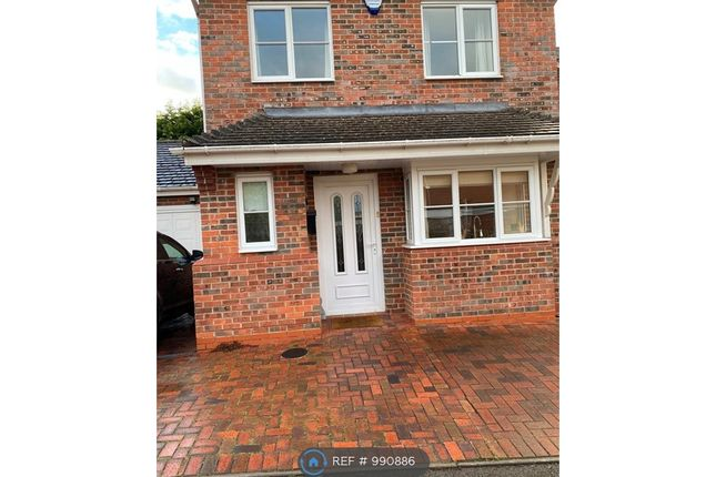 3 bed detached house to rent in Burns Close, Redditch B97