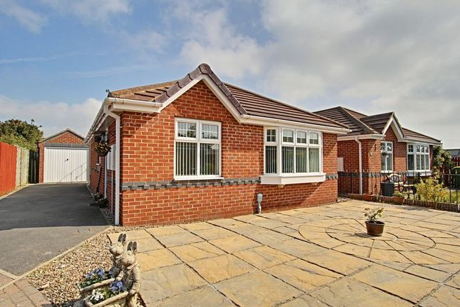 Thumbnail Bungalow for sale in Borodales Close, Hedon, Hull