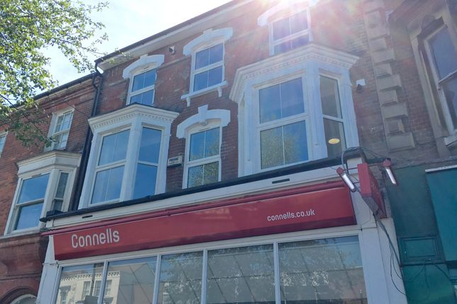 Thumbnail Flat to rent in High Street North, Dunstable