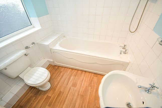 Bathroom of Spencer Street, Lincoln, Lincolnshire LN5