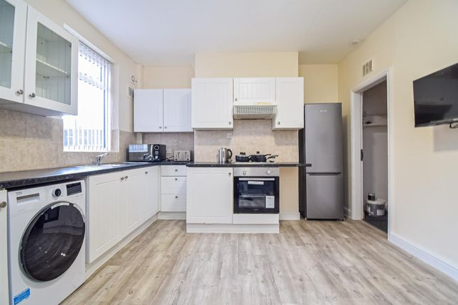 Thumbnail Terraced house to rent in Whitmore Street, South Elmsall