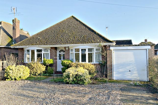 3 bed bungalow to rent in Wycombe Road, Marlow SL7