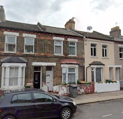 Thumbnail Terraced house to rent in Upper Road, Paistow