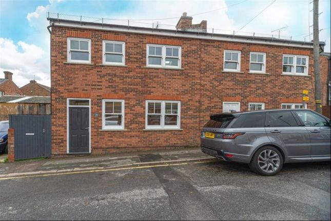 Thumbnail Semi-detached house to rent in Station Road, Radlett