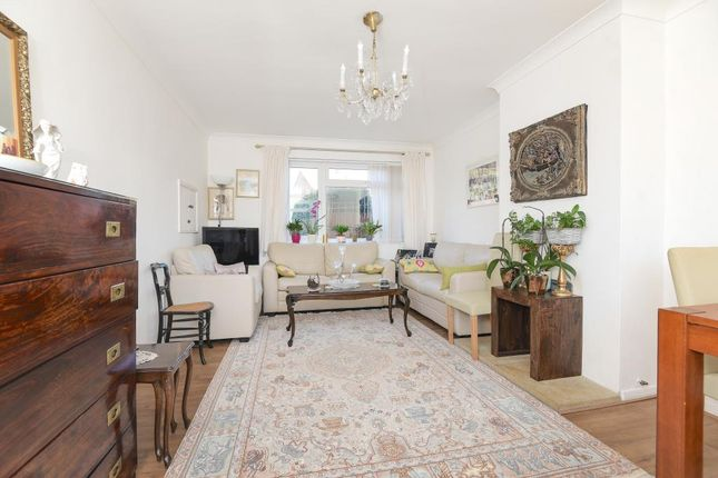 Thumbnail Terraced house to rent in Gaywood Drive, Newbury