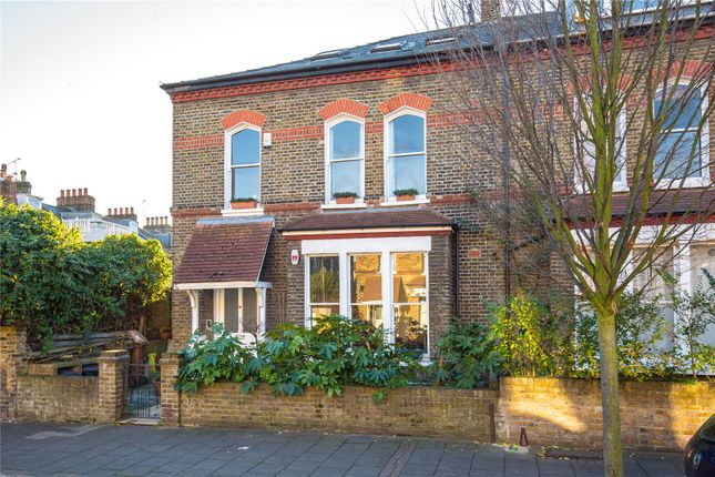 Thumbnail Flat for sale in Finsbury Park Road, Finsbury Park, London
