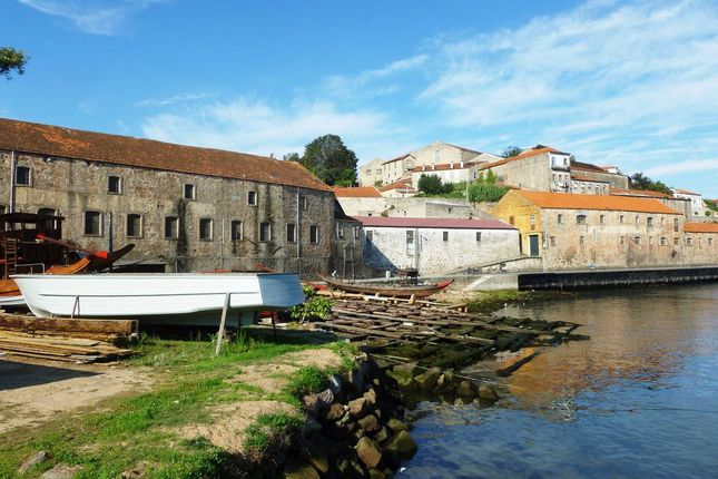 Thumbnail Land for sale in P586, Plot For A Hotel With View Of The Douro River, V. N.Gaia, Portugal