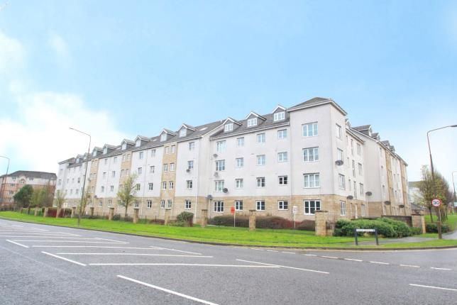 Thumbnail Flat for sale in Queens Crescent, Livingston, West Lothian