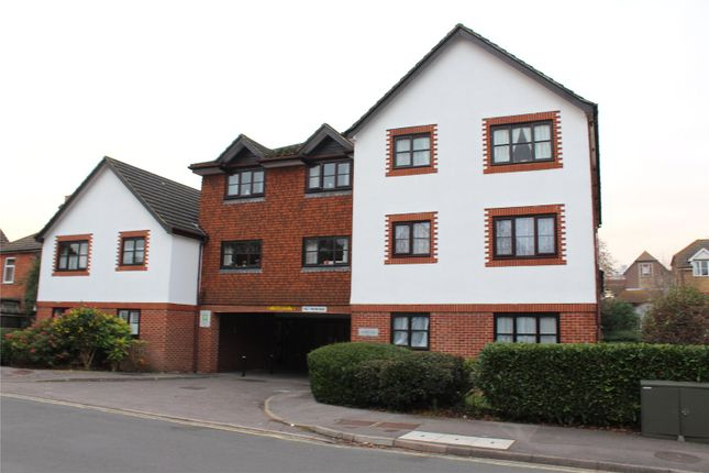 1 bed property to rent in Clarence Road, Fleet GU51