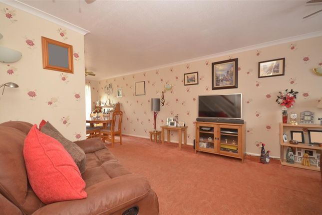 3 bed link-detached house for sale in Alma Road, Bordon, Hampshire