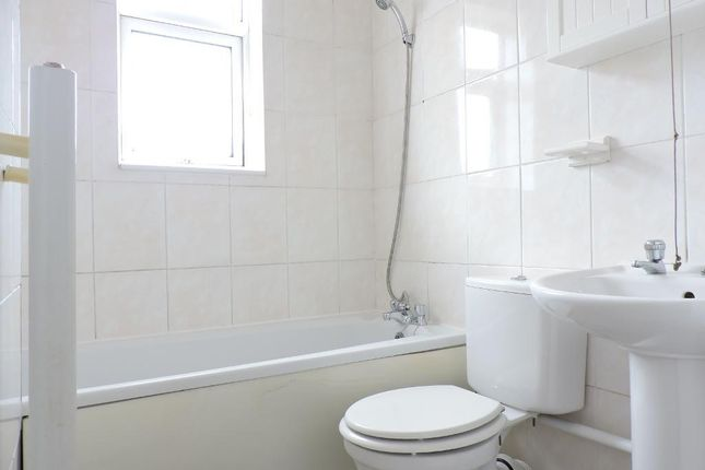 Bathroom of Snape Hill Road, Barnsley, South Yorkshire S73
