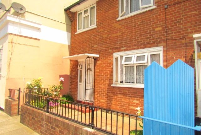 3 bed end terrace house to rent in St Leonards Street, Bow, East London