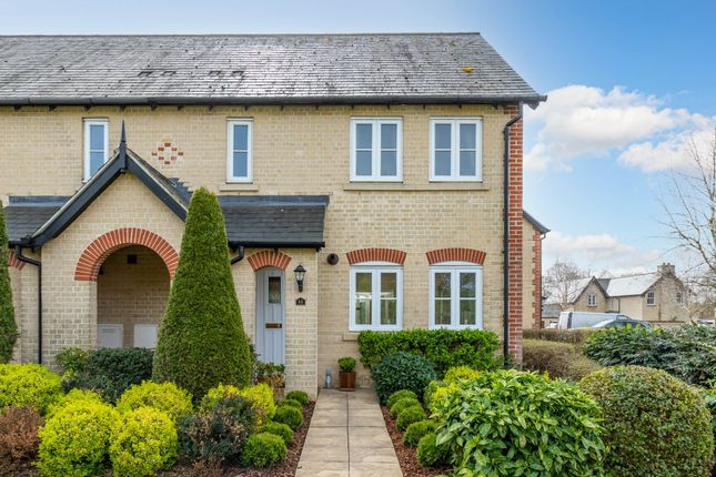 Thumbnail Mews house for sale in Middlemarch, Fairfield, Herts