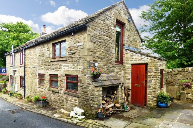 Thumbnail Detached house for sale in Macclesfield Road, Kettleshulme, High Peak
