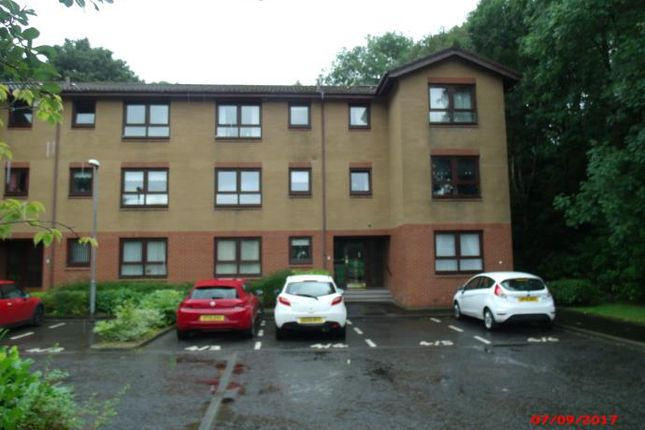 Thumbnail Flat to rent in Woodlands Court, Old Kilpatrick, Dunbartonshire