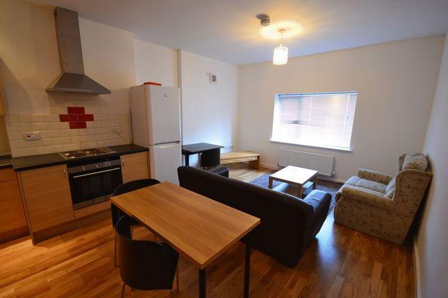 Thumbnail Flat to rent in Coed Y Neuadd, Bronwydd Road, Carmarthen