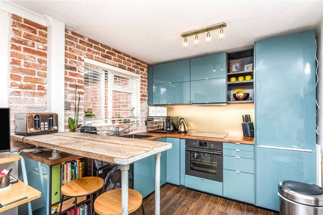 1 bed flat for sale in Shakespeare Road, Tonbridge, Kent TN9