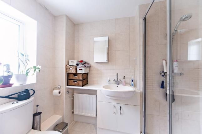 En-Suite of White Hill Close, Caterham, Surrey CR3