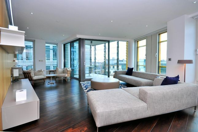 Thumbnail Flat to rent in 5 Central St Giles Piazza, London