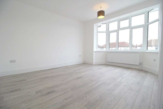 Thumbnail Flat to rent in Cranbrook Road, Ilford