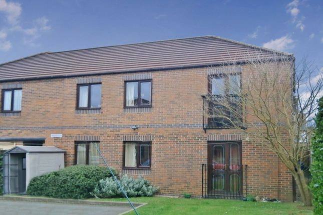 Thumbnail Flat to rent in Bentley Road, Nuneaton