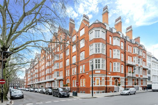 Thumbnail Flat for sale in Bedford Court Mansions, Bedford Avenue, Bloomsbury, London