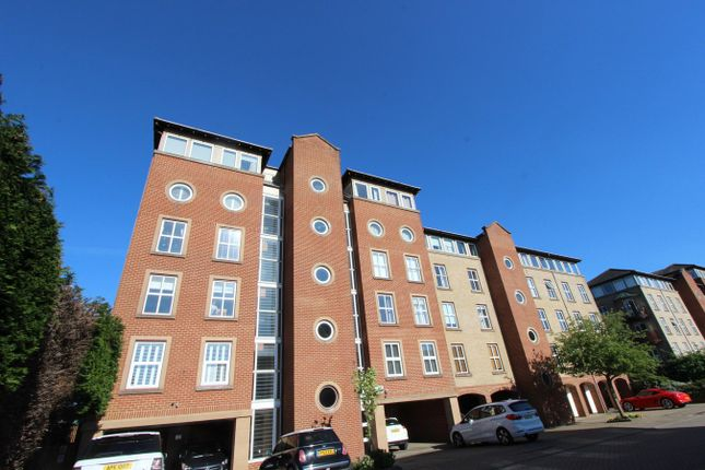 Thumbnail Flat for sale in Andes Close, Southampton
