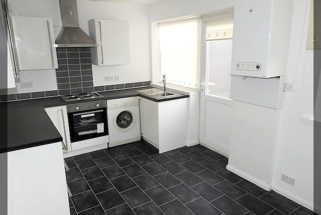 Thumbnail Semi-detached house to rent in Aberdeen Street, Holderness Road, Hull