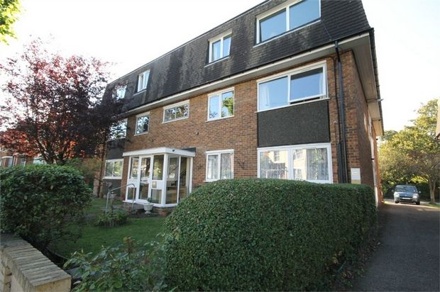 Thumbnail Property for sale in 30 Onslow Gardens, Wallington, Surrey