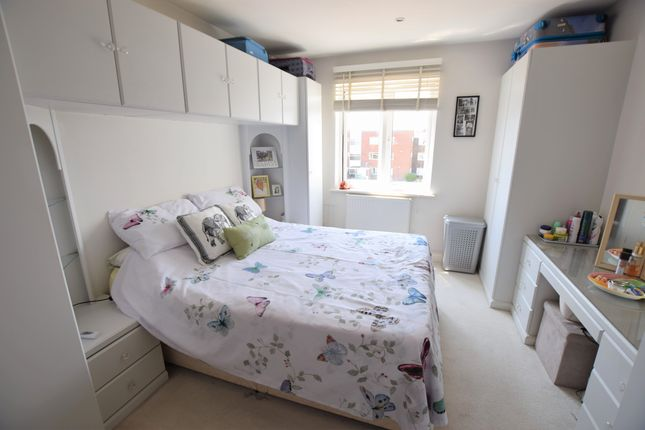 Bedroom One of Timberlaine Road, Pevensey Bay BN24