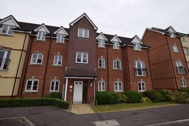 Thumbnail Flat to rent in Garstons Way, Holybourne, Alton
